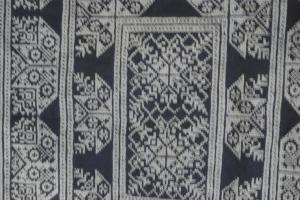 vintage Chinese Minority textile - detail tie dye